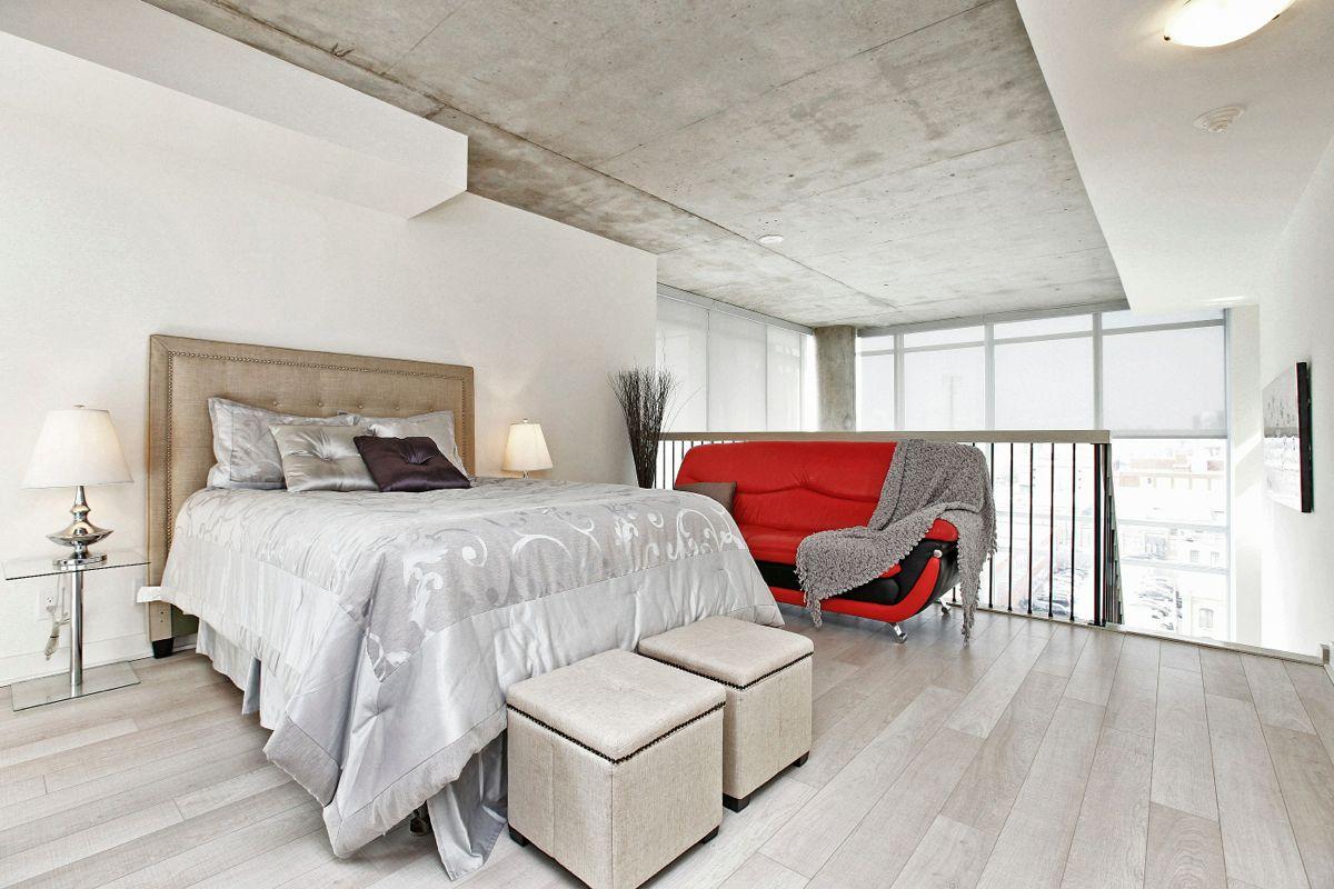 Just Sold 2 Storey 2 Bedroom Den Loft At 5 Hanna Ave