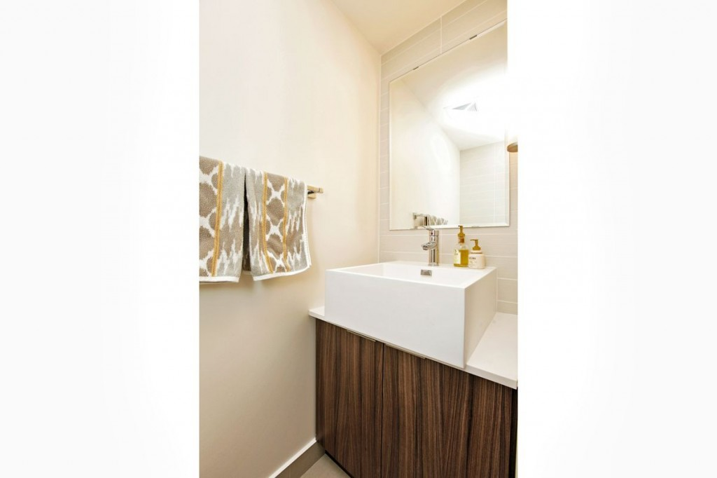 5 Hanna Ave 715 Powder Room