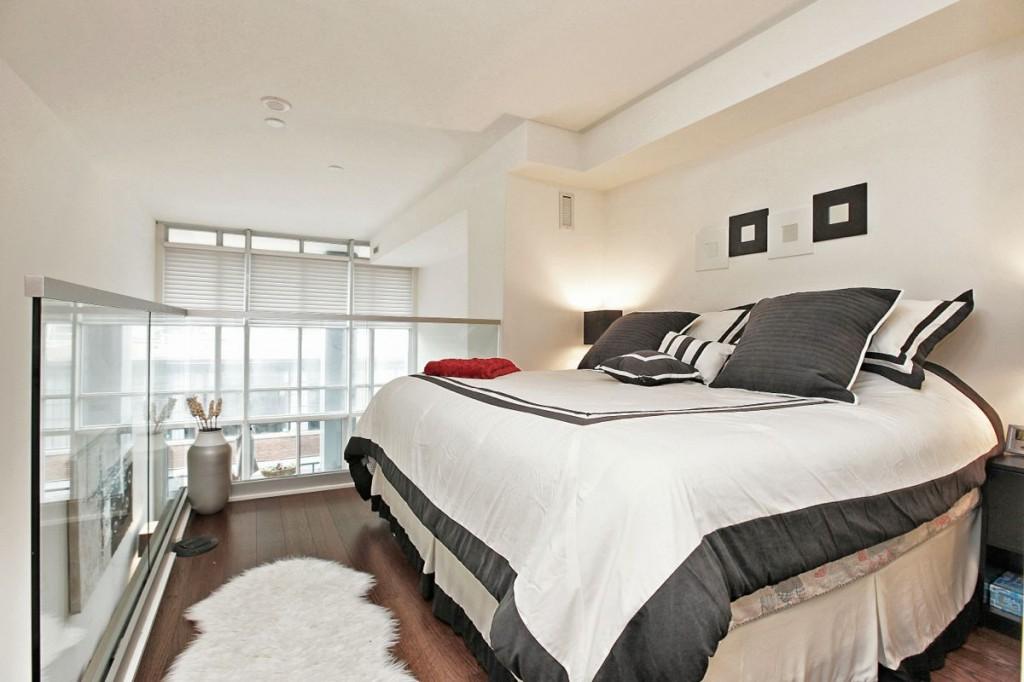 5 Hanna Ave 325 Bedroom 1