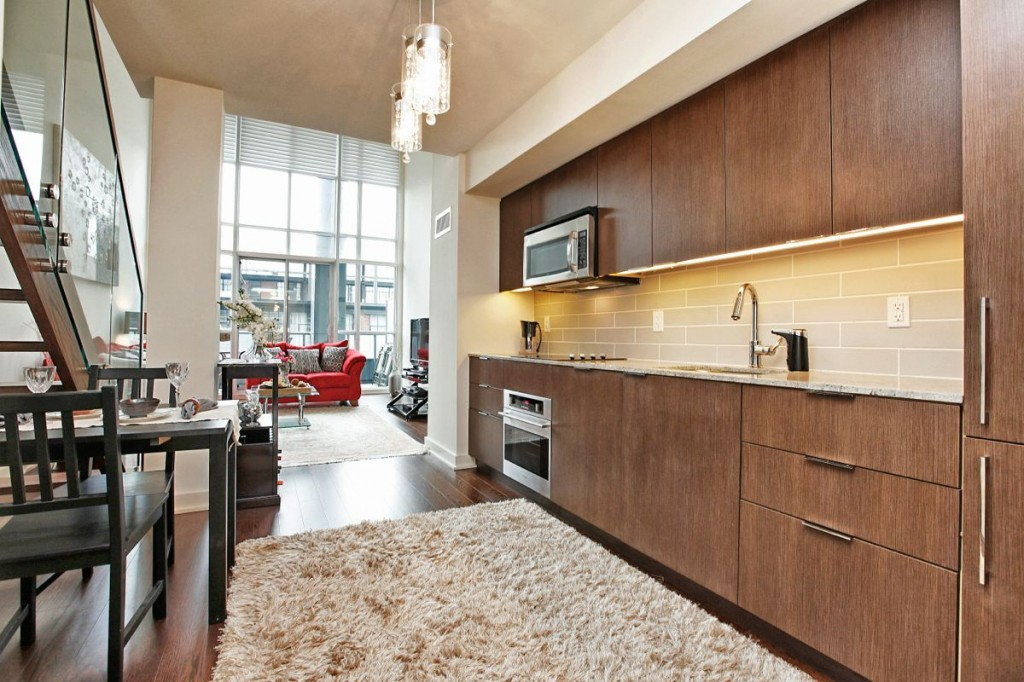 5 Hanna Ave 325 Kitchen 1
