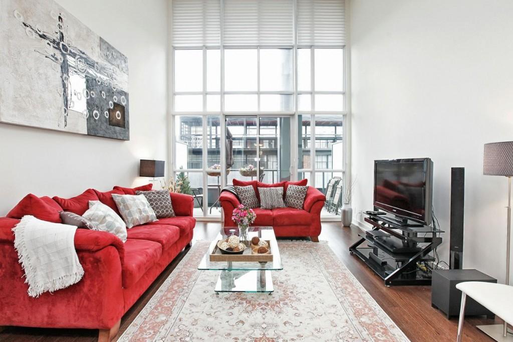 5 Hanna Ave 325 Living Room 2