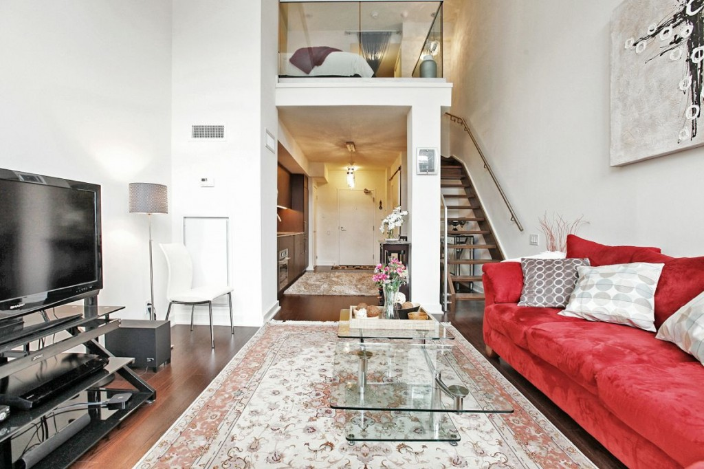5 Hanna Ave 325 Living Room 6
