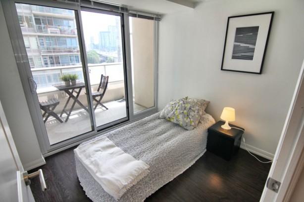 65 East Liberty 901 2nd bedroom