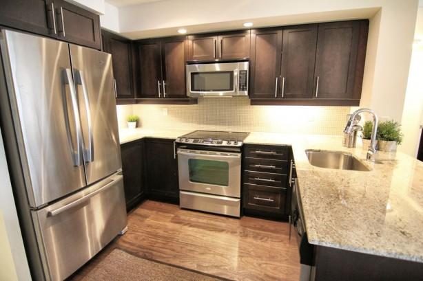 65 East Liberty 901 kitchen3