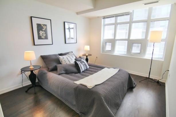 65 East Liberty 901 masterbedroom2