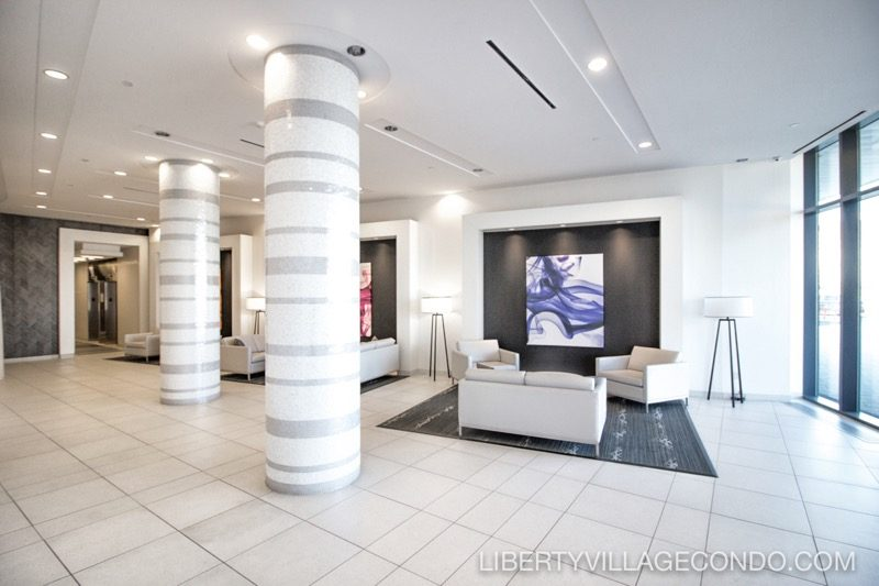 51 East Liberty St lobby